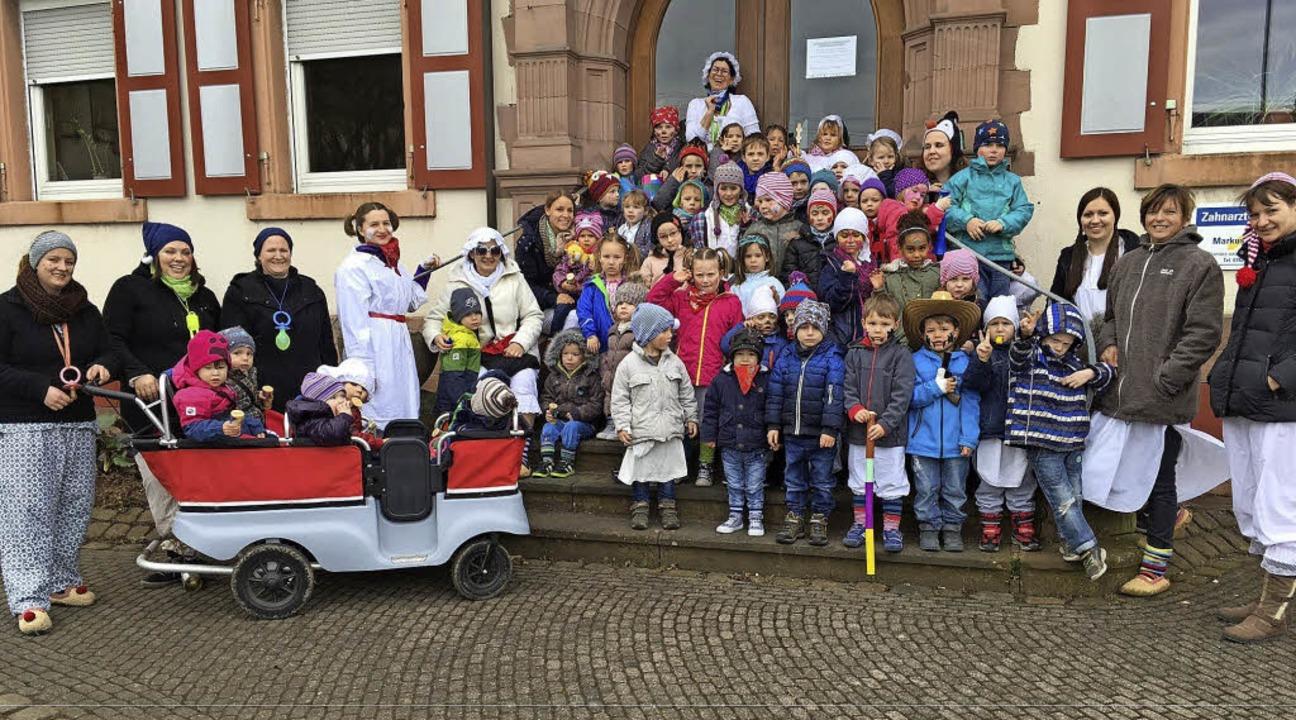 In Nonnenweier haben Kinder und Erzieh...ergartens die Ortsverwaltung gestürmt.    Foto: Privat
