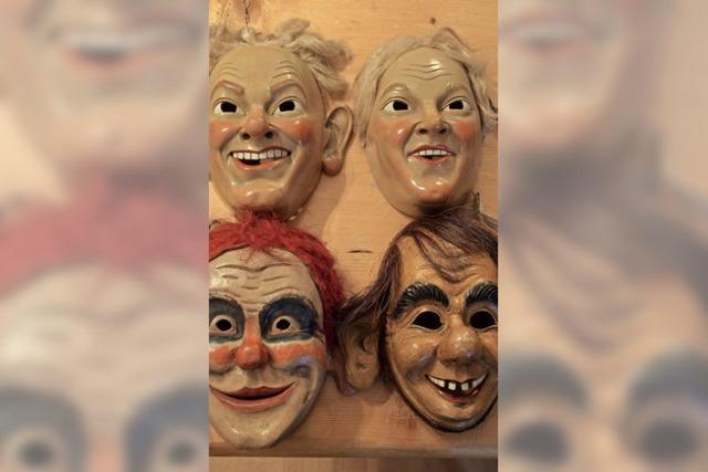 Masken eines 60-Jährigen
