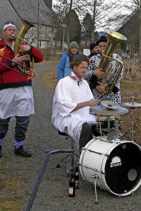 """Die """"alternativen Musiker""""...en, um die Machtübernahme zu erleben.     Foto: Ulrike Spiegelhalter"""