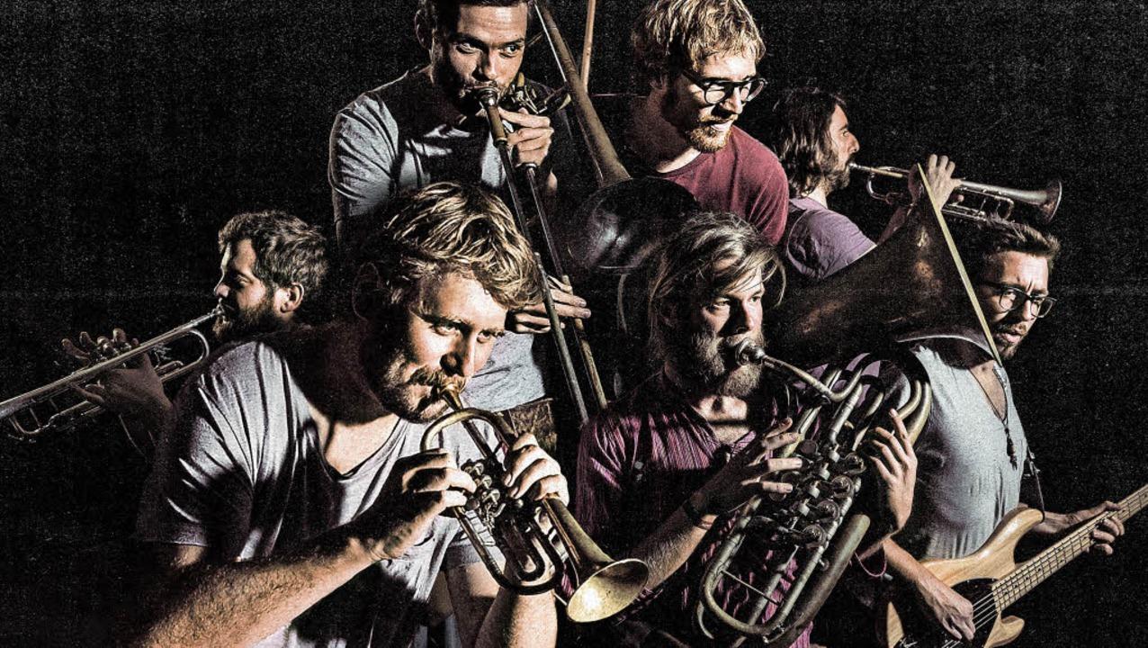 La Brass Banda haben ihr neues Album einem globalen Praxistest unterzogen.    Foto: Stefan Bausewein