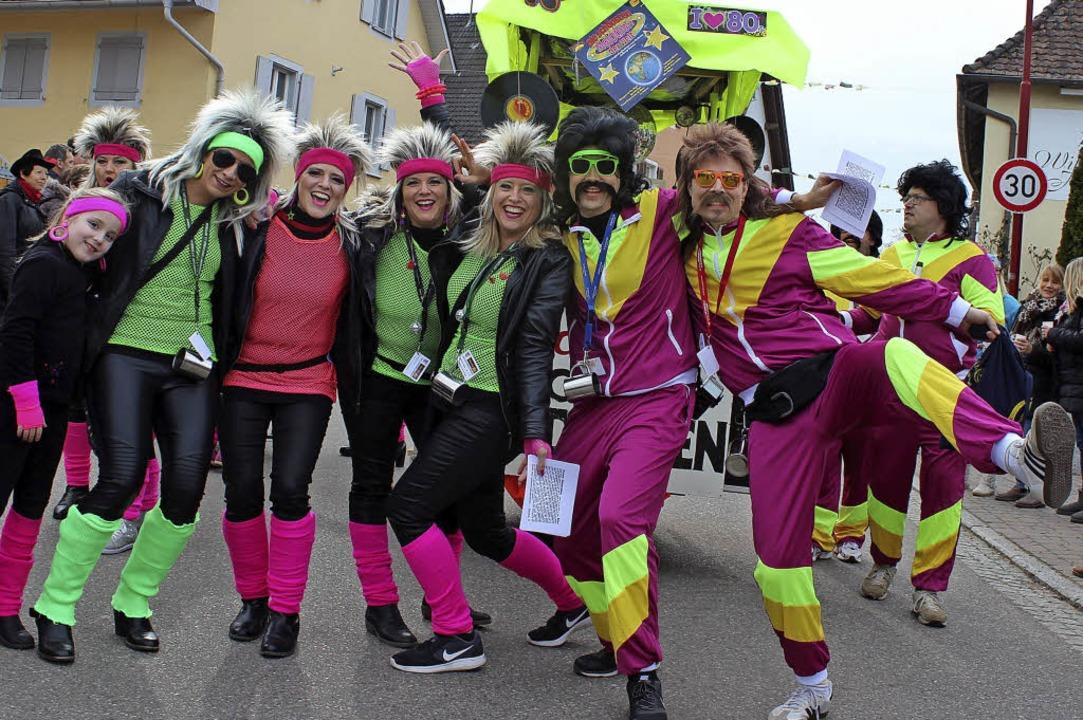 Der Gottenheimer  MacGyver-Club feiert...ins Maul gibt es von den flotten Opas.  | Foto: Mario Schöneberg