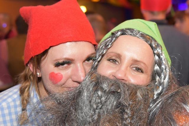 Fotos: Narren feiern beim Fasnachtsball in Wyhlen