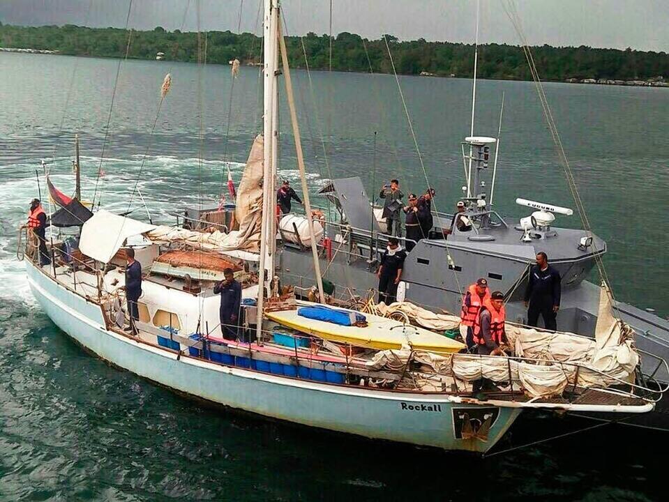 Das verlassene Schiff des ermordeten D...urde nach seiner Geiselnahme geborgen.  | Foto: dpa