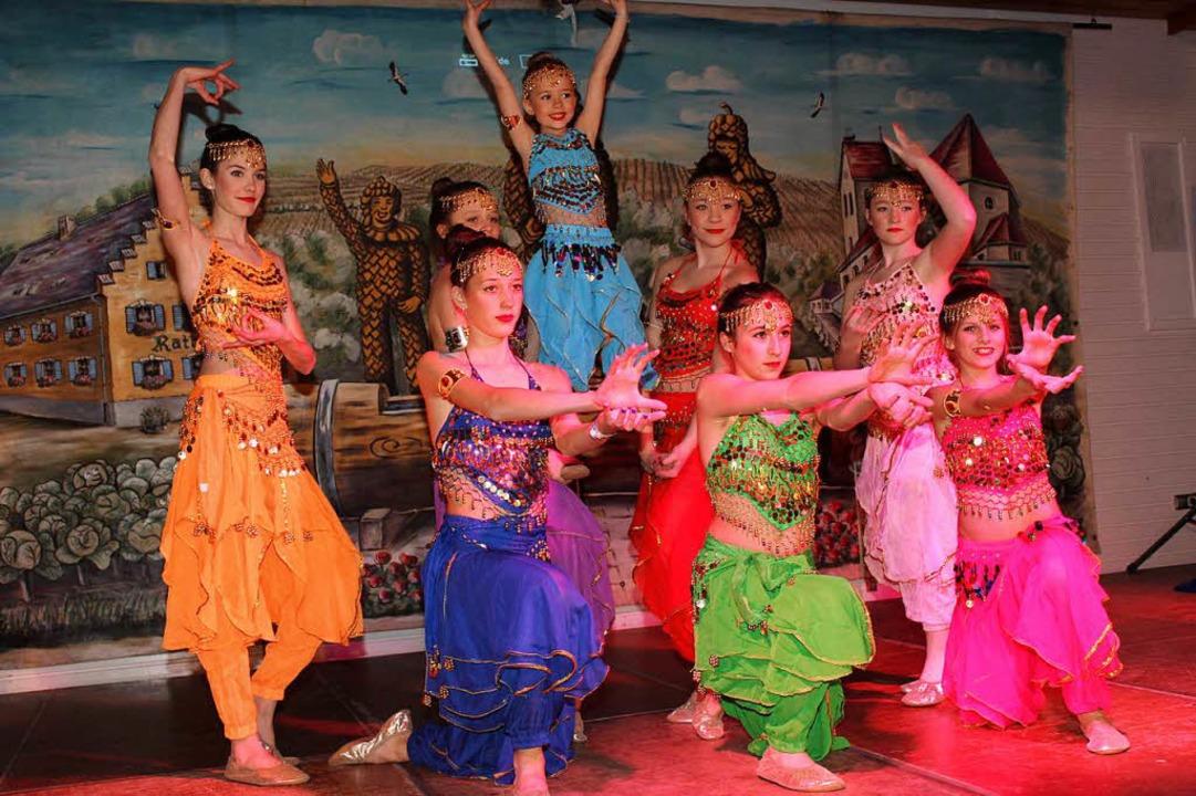 Mit exotischer Anmut in leuchtenden Farben begeistert das kleine Ballett.  | Foto: Mario Schöneberg