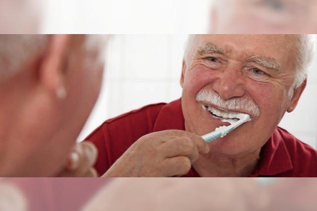 Zähneputzen: Sanft rütteln und fegen