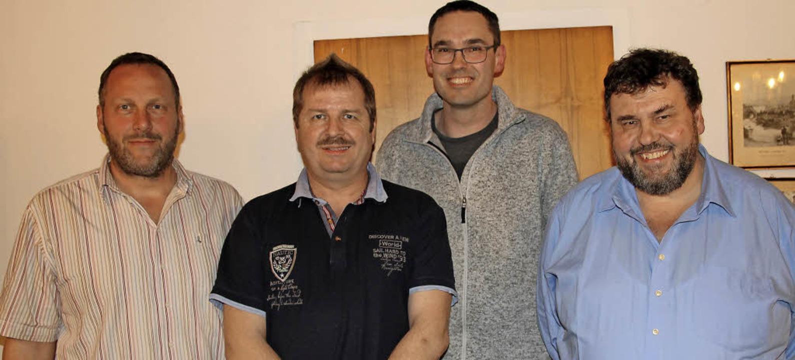 Der neu gewählte Vorstand des Kreisver... die Bundestagswahl nominiert wurde.    | Foto: Manfred Dinort