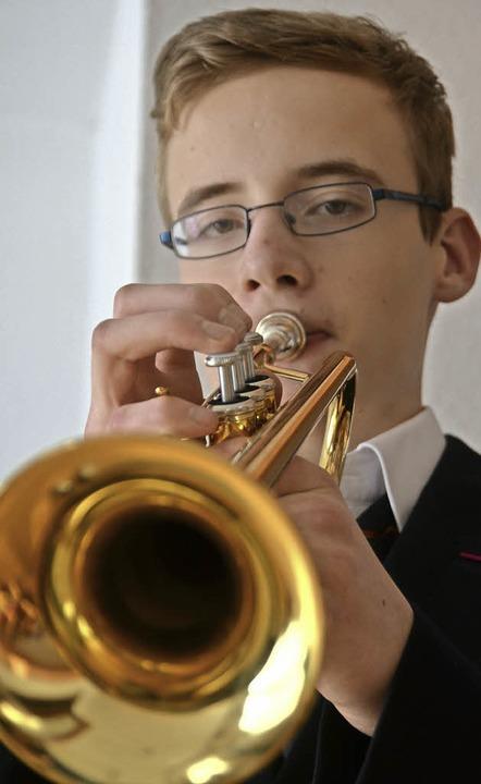 Marcel Neidinger mit seiner Trompete     Foto: Janina Ruth