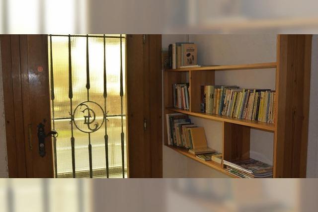 Eine Minibücherei im Dorfrathaus