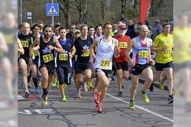 300 Starter treten beim Lauftag an