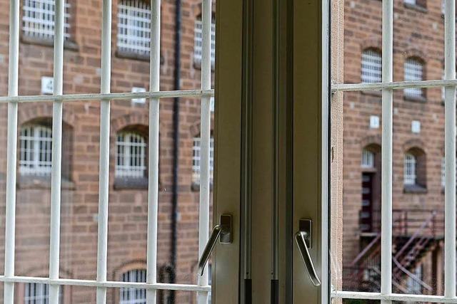 Streit in der JVA: Häftling mit Rasierklinge am Hals verletzt
