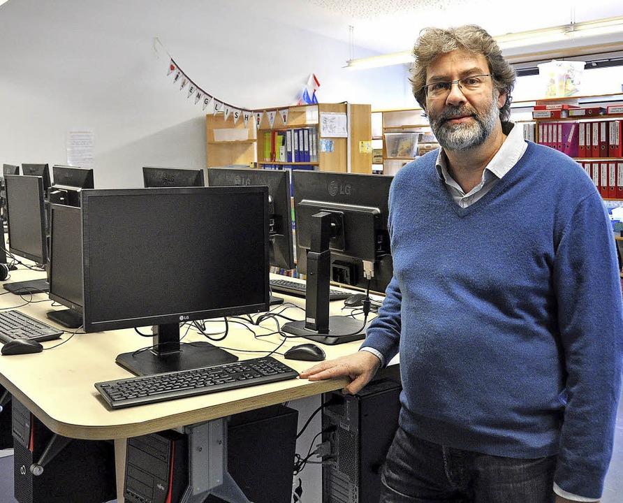 Rektor Matthias Auer ist stolz auf den...  der Digitalisierung des Unterrichts.  | Foto: Kai Kricheldorff