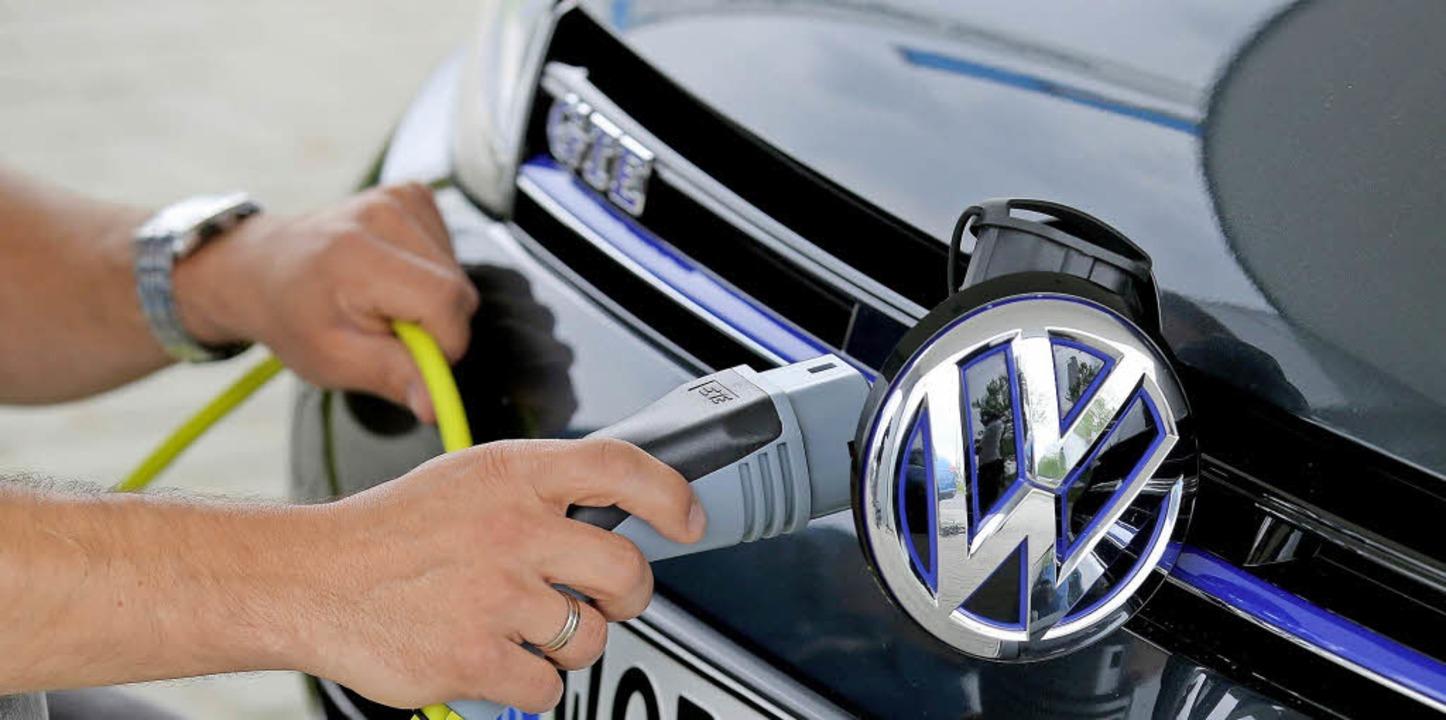Zwei elektrisch betriebene VW-Polo sollen in Oberried stationiert werden.   | Foto: Stephanie Pilick/dpa