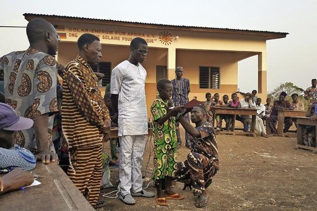 Hilfe für ein vergessenes Dorf in Benin