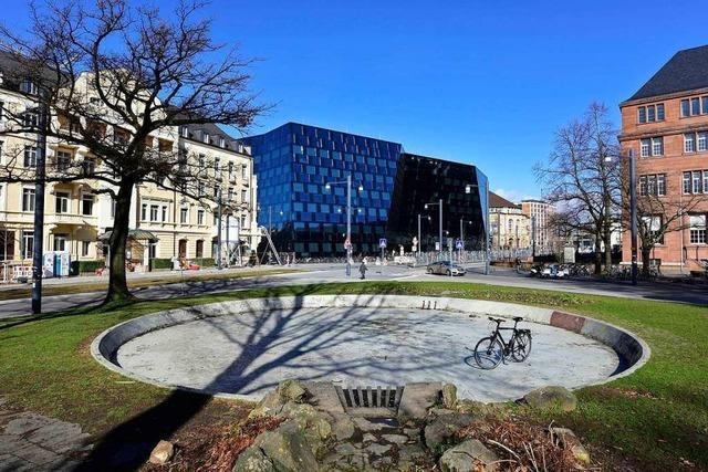 Fahrradstellplätze: Tango-Brunnen soll Rad-Parkhaus weichen