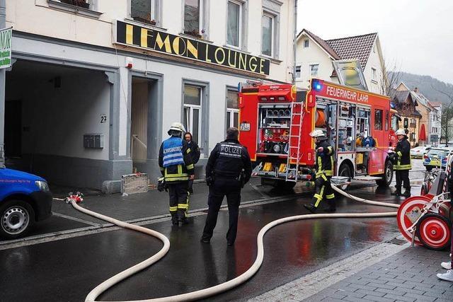 Qualm im Keller einer Bar löst Feuerwehreinsatz aus