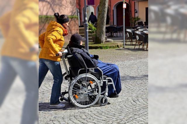 Pflaster bremst Rollstuhlfahrer