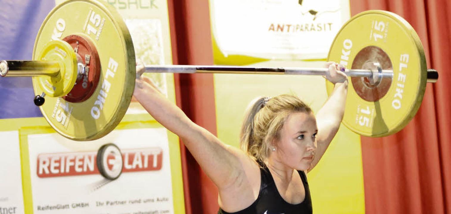 <BZ-FotoAnlauf>Gewichtheben:</BZ-FotoA...ke antreten, auch mit Camilla Valduga.  | Foto: uwo