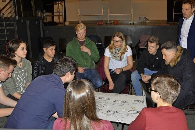 Lörracher OB Lutz im Dialog mit Jugendlichen