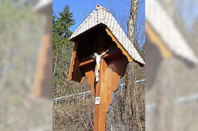 Neuer Platz für altes Kreuz