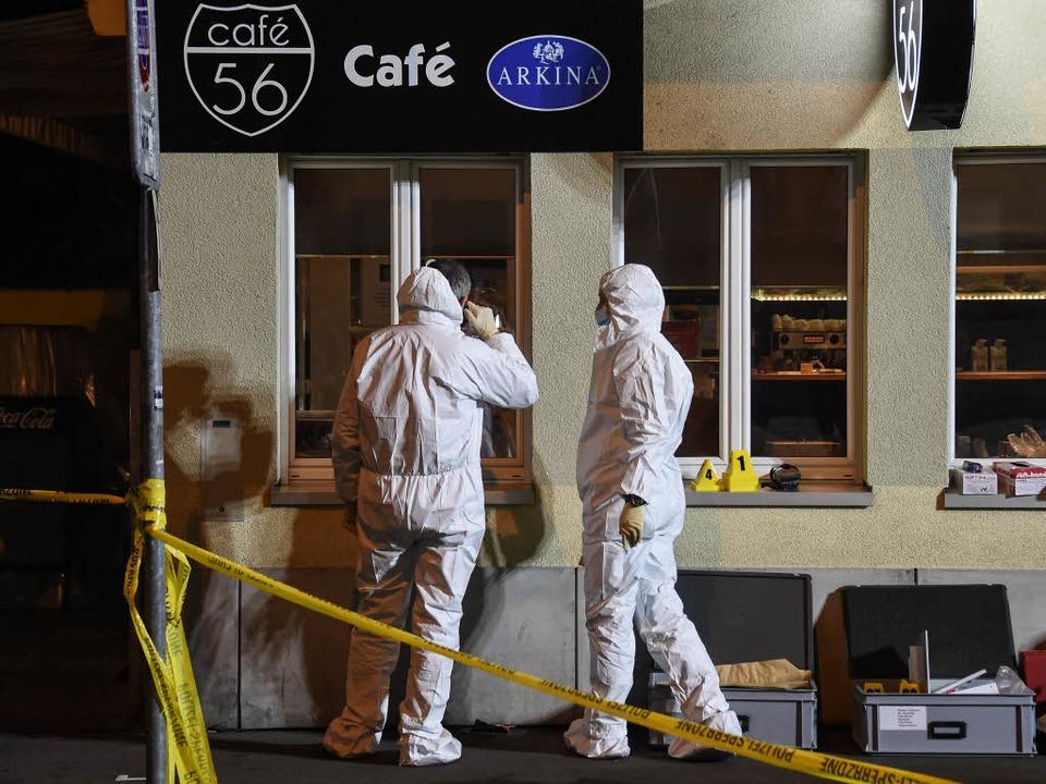 In dieser Bar in Basel sind die tödlichen Schüsse gefallen.    Foto: AFP