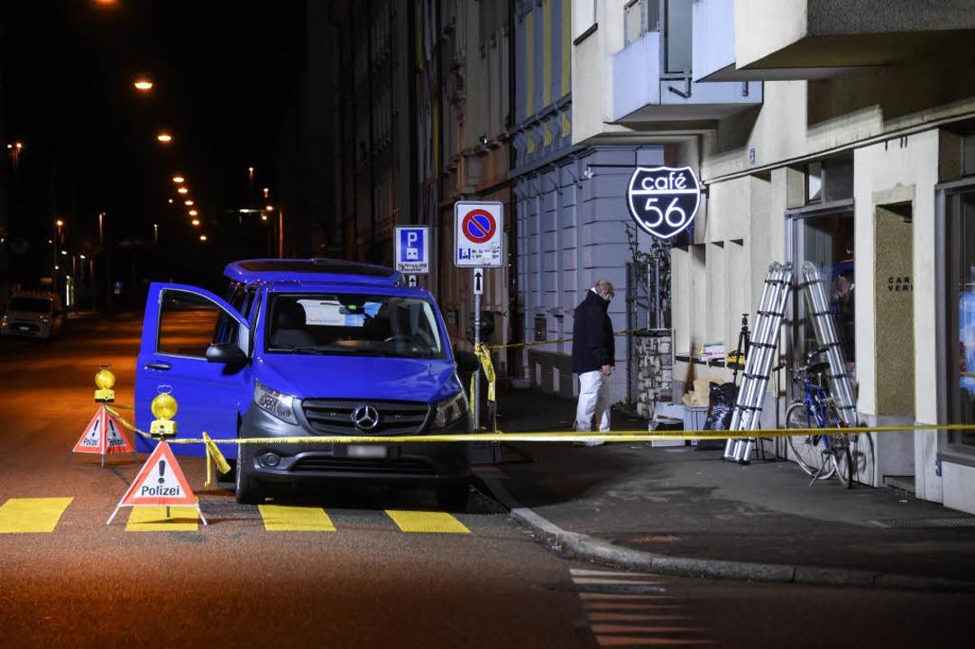 Schießerei in Basel: Das Café 56 ist abgesperrt.    Foto: AFP