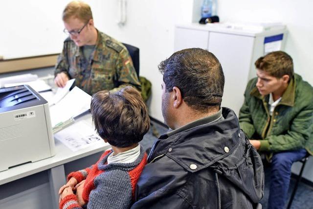 Sozialministerium verteidigt Förderregeln für Flüchtlingsbeauftragte