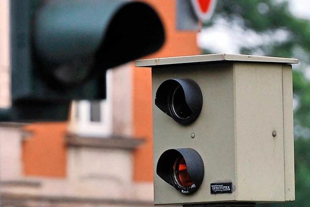 Polizei will Blitzer gegen rasende Autofahrer auf der B 31