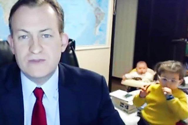 Kinder sprengen Papas BBC-Interview – Video geht viral