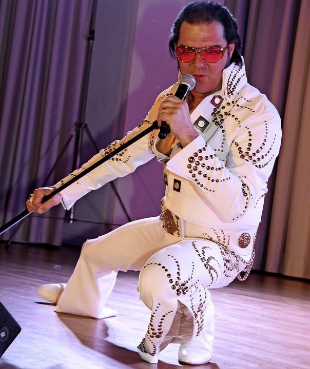 Täuschend echt: Eric Prinzinger als Elvis.  | Foto: Dagmar Barber
