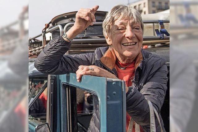 79-Jährige beendet Weltumfahrung mit Oldtimer