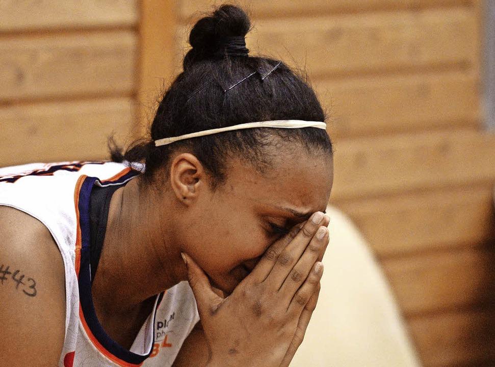 Tief enttäuscht: USC-Spielerin Lea Ouedraogo     Foto: Patrick Seeger
