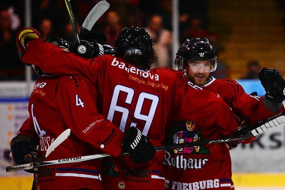 Sieg gegen die Ravensburg Towerstars: DerEHC Freiburg erreicht das Playoff Viertelfinale. (Foto: Patrick Seeger)