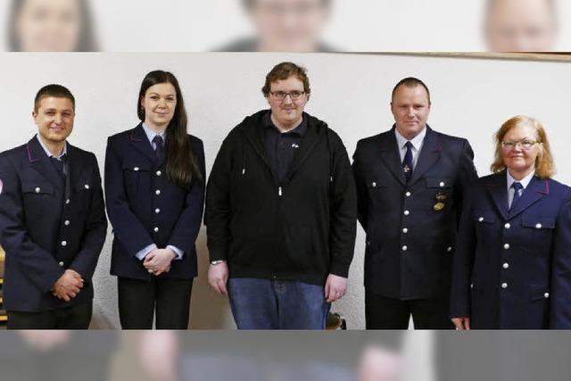 Vier Kameraden der Abteilung befördert