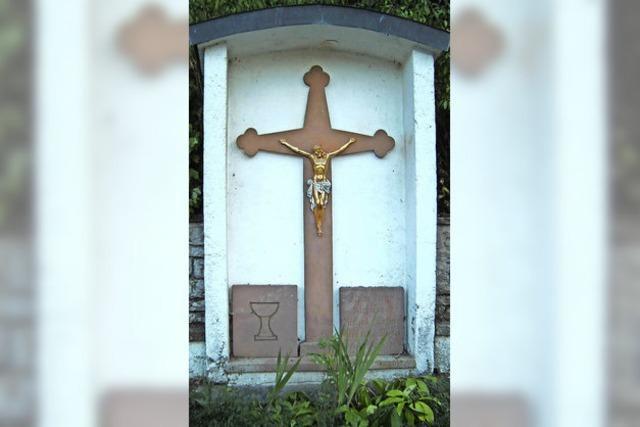 Kreuz verweist auf ominösen Tod eines Ehepaars