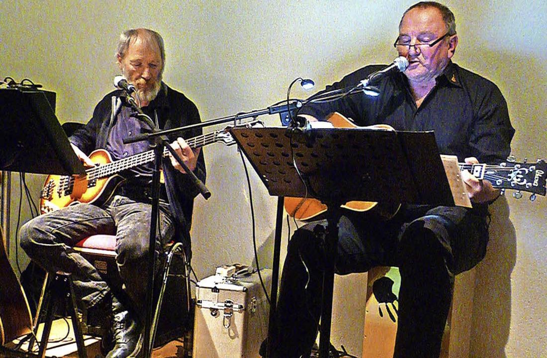 Die zwei Wunderfitze Dieter Schwarzwäl...endahl hielten das Publikum bei Laune.  | Foto: Gabriele Rasenberger
