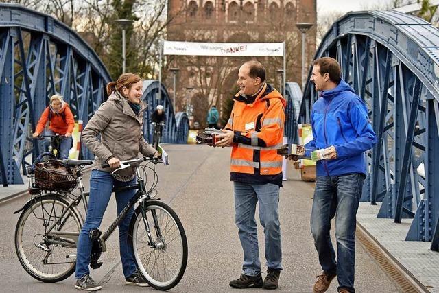 Wer am 15. März bis 15 Uhr über die Wiwili-Brücke radelt, kann ein Rad gewinnen