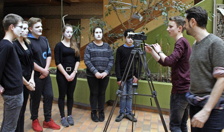 Die Breisacher Schüler entwickelten Ko...passend zum Musikstück präsentierten.   | Foto: Joshua Kocher