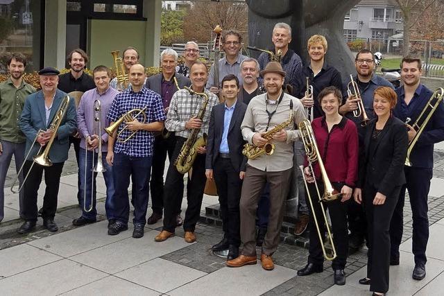 Big Sound Orchestra und Sängerin Isa Morgenstern bieten in Rheinfeldne Beatles-Songs und französische Chansons