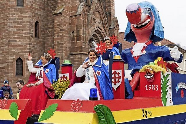 Guggamusik und Parade im elsässischen Village-Neuf