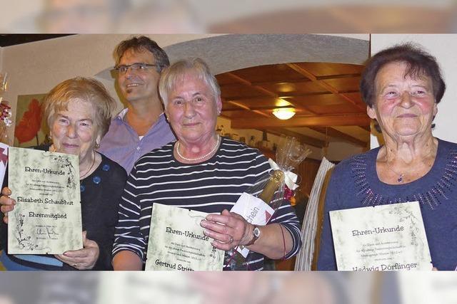 Gesangverein Wieslet ehrt drei Mitglieder