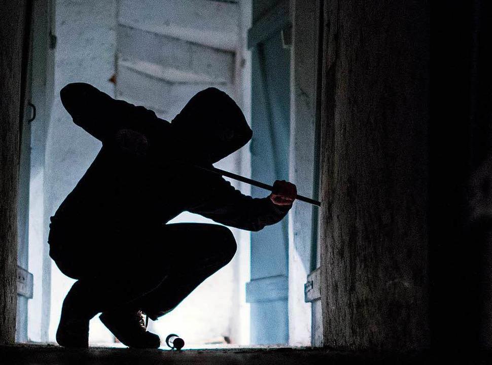 Die Einbrüche im Land haben laut Statistik abgenommen.  | Foto: dpa