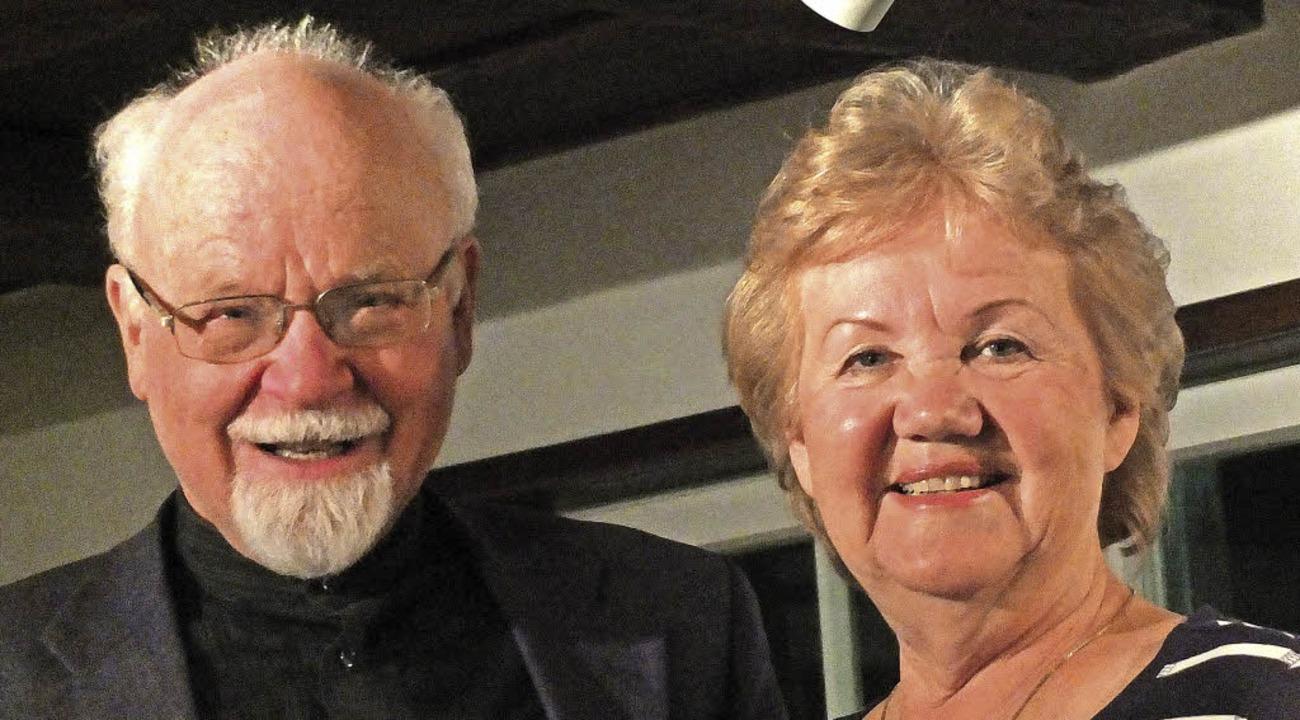 Namensforscher Konrad Kunze und Heidi Zöllner von der Muettersprochgsellschaft   | Foto: Martina David-Wenk