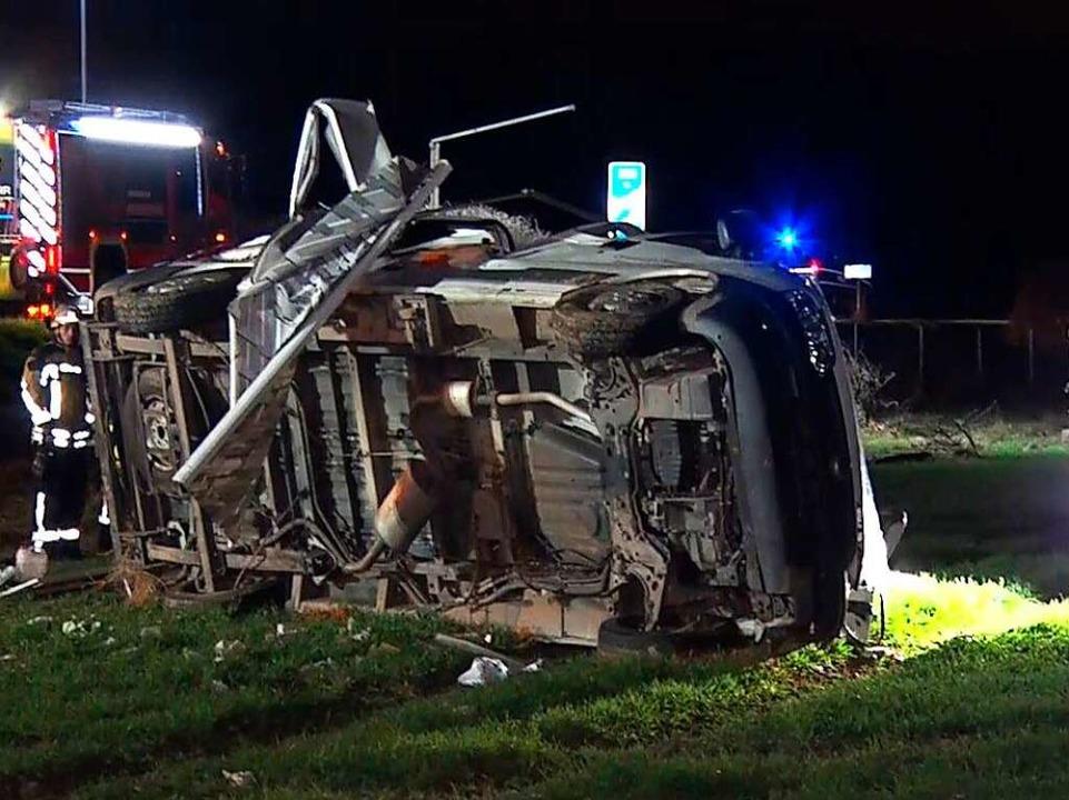 Die beiden Unfallfahrzeuge lagen fünfzig Meter weit auseinander.  | Foto: Kamera 24