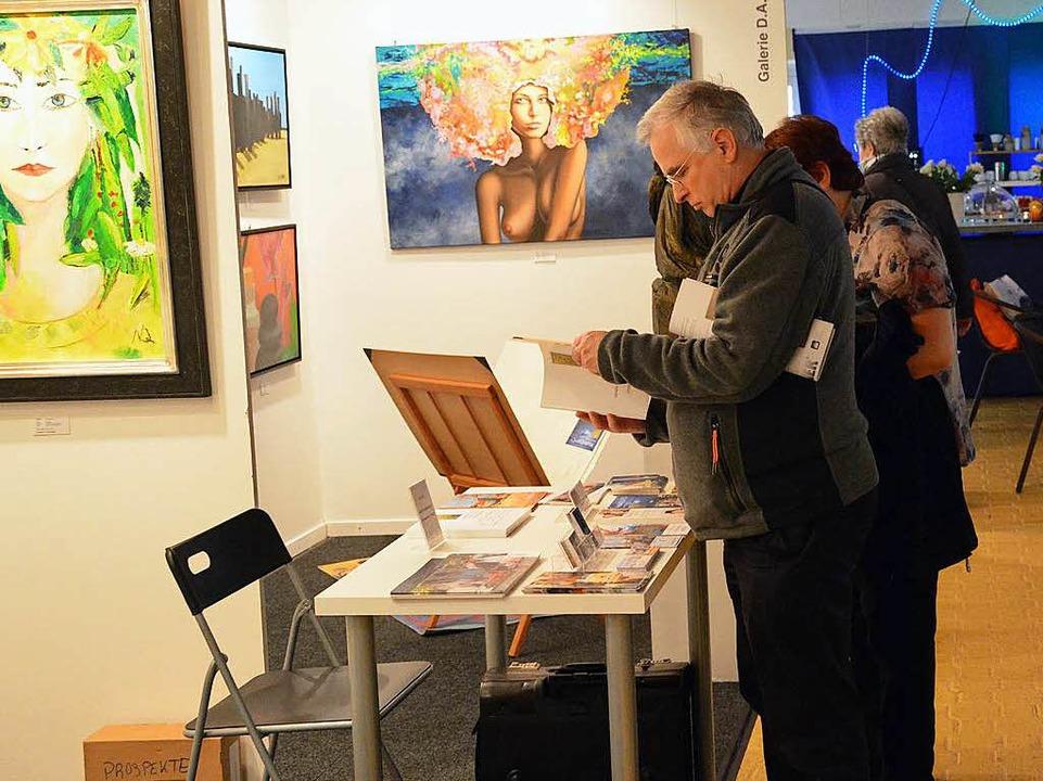 Eine Ecke nur für die Kunst gibt es in Halle 2.  | Foto: Barbara Ruda