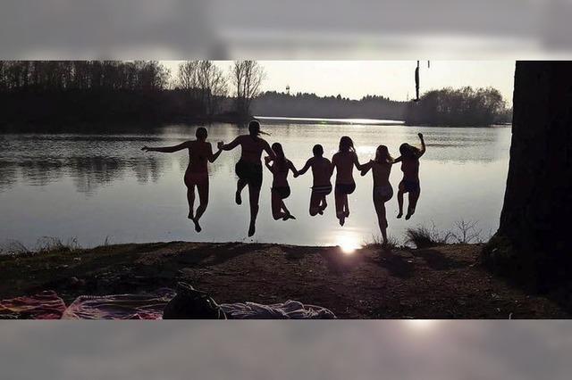 Siebenfacher Platsch in die Badesaison am Riedsee