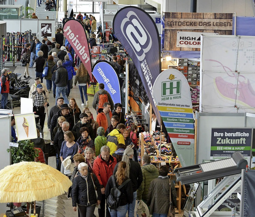 Schuhe, Sportjacken, Räder, Skier und ...s mehr  gibt es auf der Freizeitmesse.    Foto: Rita Eggstein