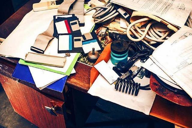 5 Tipps, wie Du Deinen Schreibtisch richtig aufräumst
