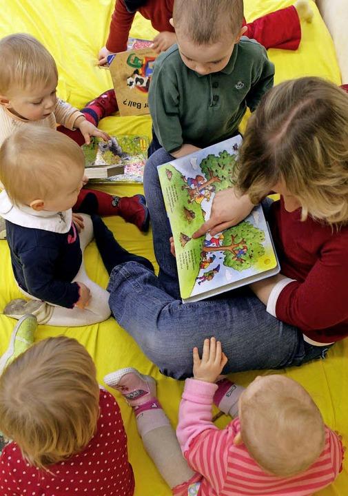 Kindertagesmütter sind keine Babysitte...e brauchen eine spezielle Ausbildung.   | Foto: Symbolfoto: DPA