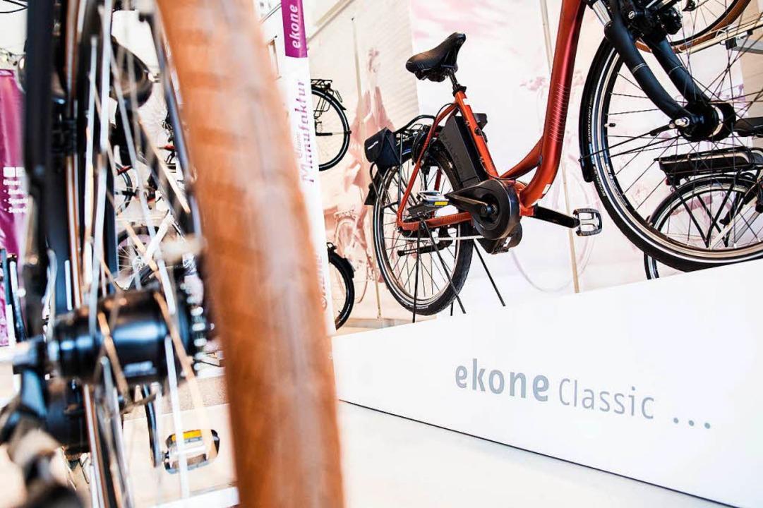 Bei ekone gibt es E-Bikes von vielen u... Marken. Da ist für jeden etwas dabei!  | Foto: Ekone