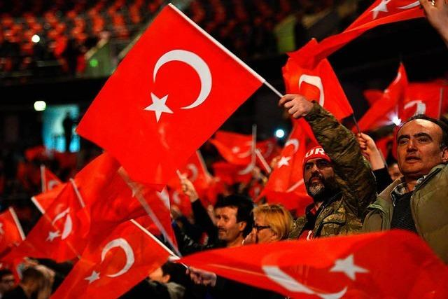 Umfrage: Erdogan spaltet die Türken in Lahr
